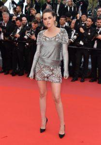 Kristen-Stewart-Takes-Off-Her-Heels-Cannes-Film-Festival