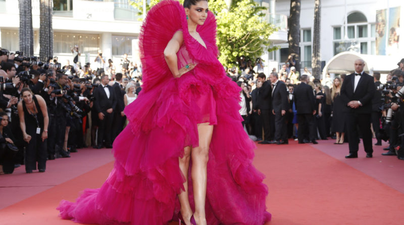 "71st Cannes Film Festival - Screening of the film ""Ash Is Purest White"" (Jiang hu er nv) in competition - Red Carpet Arrivals - Cannes, France, May 11, 2018 - Deepika Padukone arrives. REUTERS/Eric Gaillard"