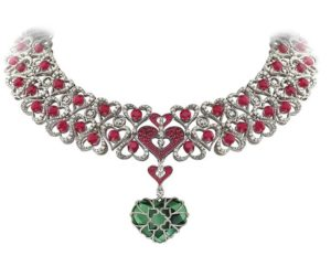 01-AVAKIAN-Heart-Shaped-Columbian-Emerald-Necklace-1.jpg__760x0_q75_crop-scale_subsampling-2_upscale-false