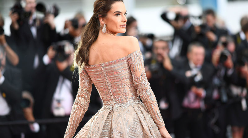 "Brazilian model Alessandra Ambrosio poses as she arrives on May 18, 2018 for the screening of the film ""The Wild Pear Tree (Ahlat Agaci)"" at the 71st edition of the Cannes Film Festival in Cannes, southern France. (Photo by Anne-Christine POUJOULAT / AFP)        (Photo credit should read ANNE-CHRISTINE POUJOULAT/AFP/Getty Images)"